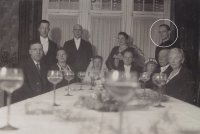 Friedrich Kaiser als Gast bei einer Hochzeitsfeier