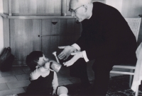 Besuch 1967, mit Großneffen